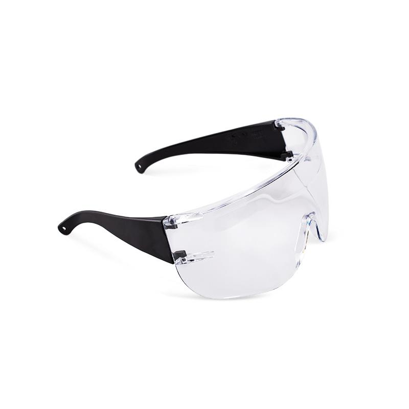 Óculos pretos com lente policarbonato resistente